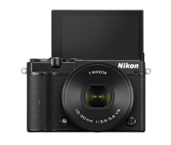Nikon 1 J5 + 10-30mm PD-ZOOM Black Kit